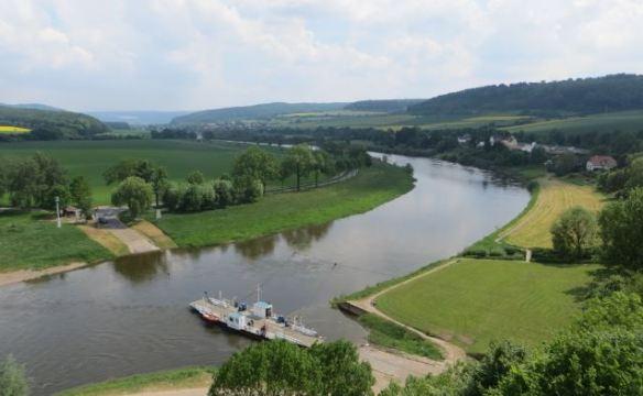 Weserbogen und Fähre