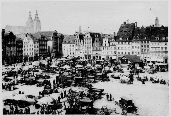 10_Der Welt-Spiegel_1913_05_15_p02_Breslau_Wochenmarkt_Stadt-Land