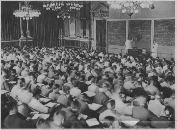 04_Zeitbilder_1932_09_25_p4_Universität_Vorlesung_Hörsaal_Mathematiker_Rudolph-Rothe