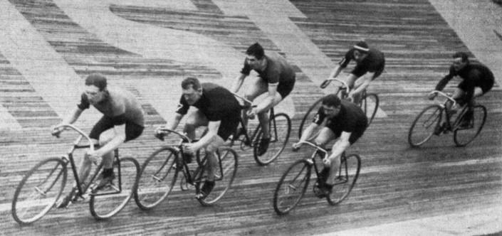 18_Sport im Bild_19_1913_p514_Zuschauersport_Radrennen_Berlin
