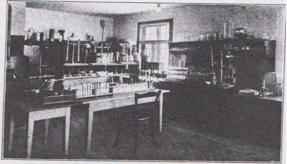 11_Sueddeutsche Molkerei-Zeitung_50_1929_Festschrift_p84_Kaeseproduktion_Betriebslaboratorium_Duerren